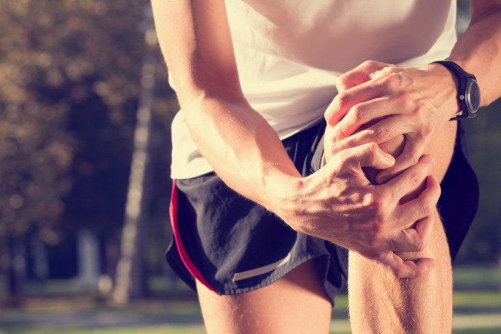 The Best Knee Arthritis Treatment: Shot or Pills for Knee Pain Relief